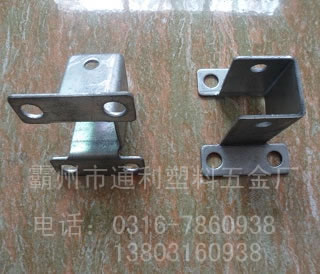 护栏质量的辨别要先从配件入手